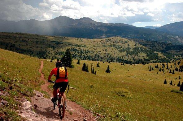 Mersul pe bicicleta te mentine in forma