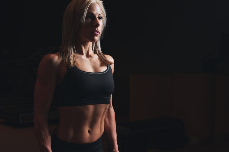 Abdomen plat in 10 zile: trucurile femeilor cu silueta perfecta