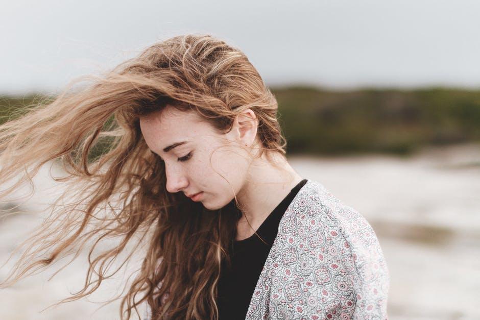 Descopera 5 remedii naturiste pentru mancarimile scalpului