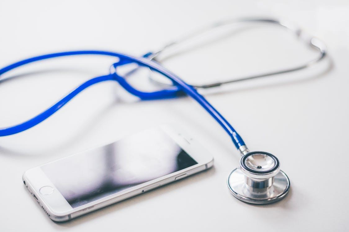 3 site-uri indispensabile din domeniul medical