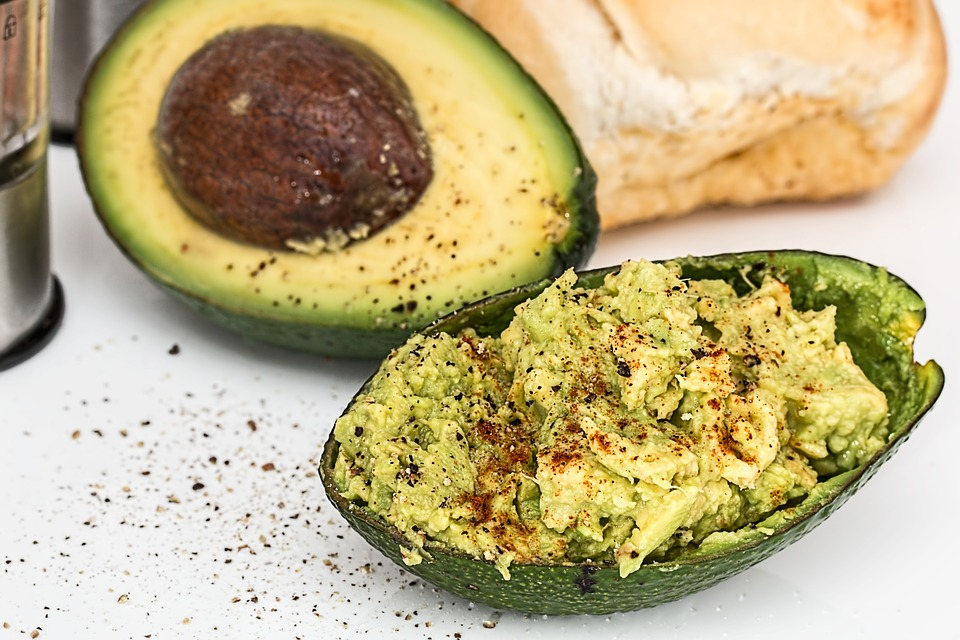 Cum sa tii o dieta raw vegana fara sa iti fie foame tot timpul?