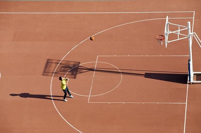 Cum iti atragi copilul spre sport?