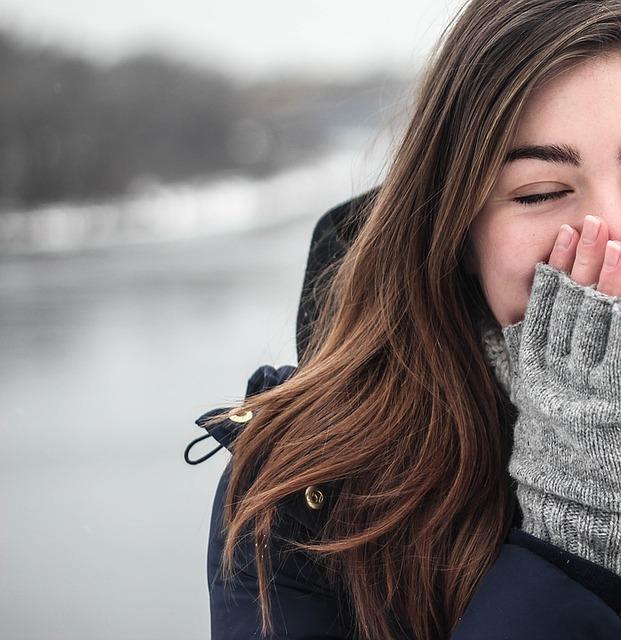 4 Motive pentru care iti e frig tot timpul