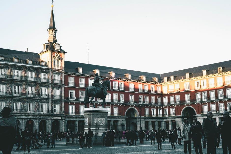 3 orase din Spania pe care trebuie sa le vizitezi!