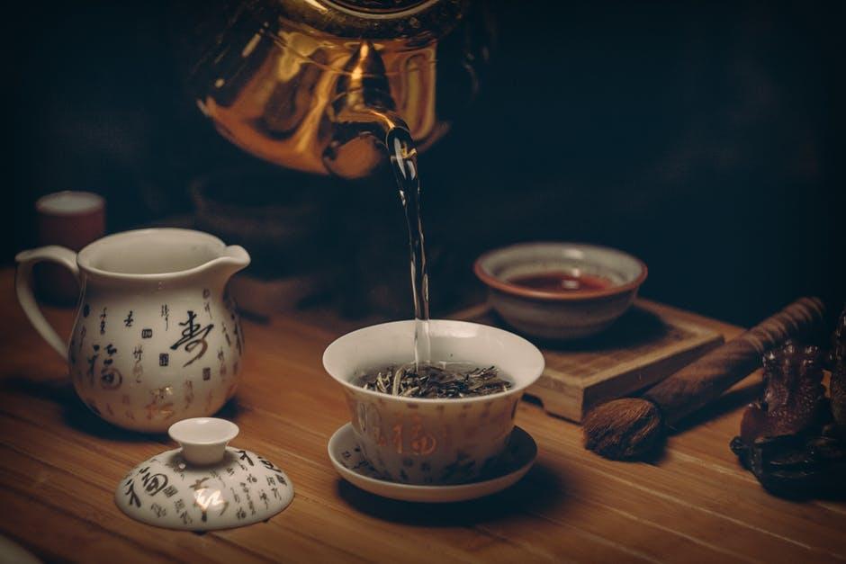 3 sortimente de ceai pentru un somn linistit