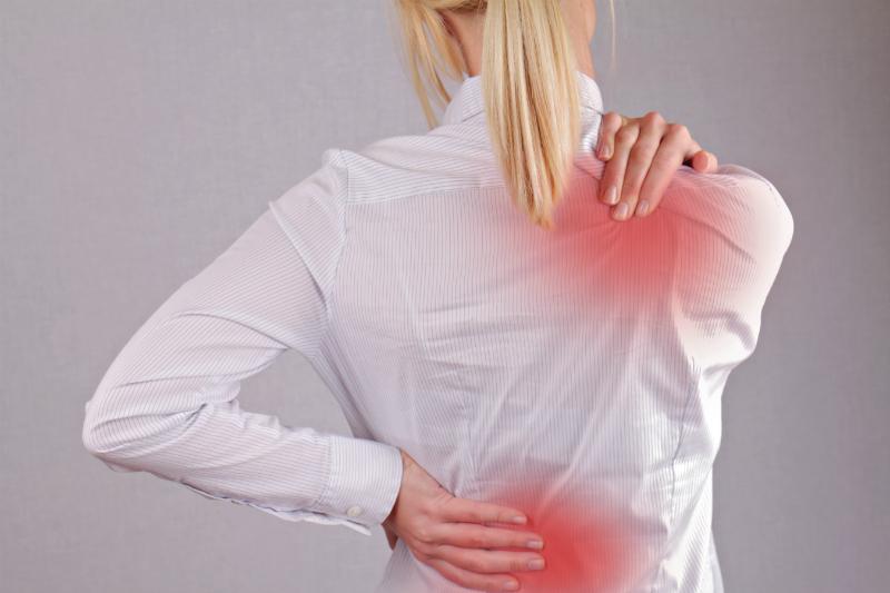 Postura incorecta, motivul principal pentru durerile acute de spate