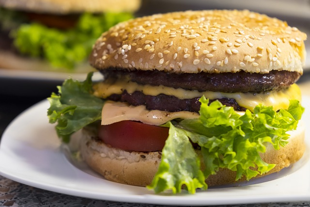 Cum poate fi prevenita obezitatea la copii?