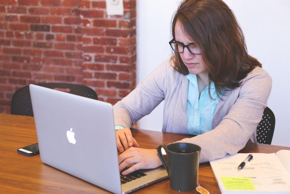 Cum poti reduce stresul la locul de munca