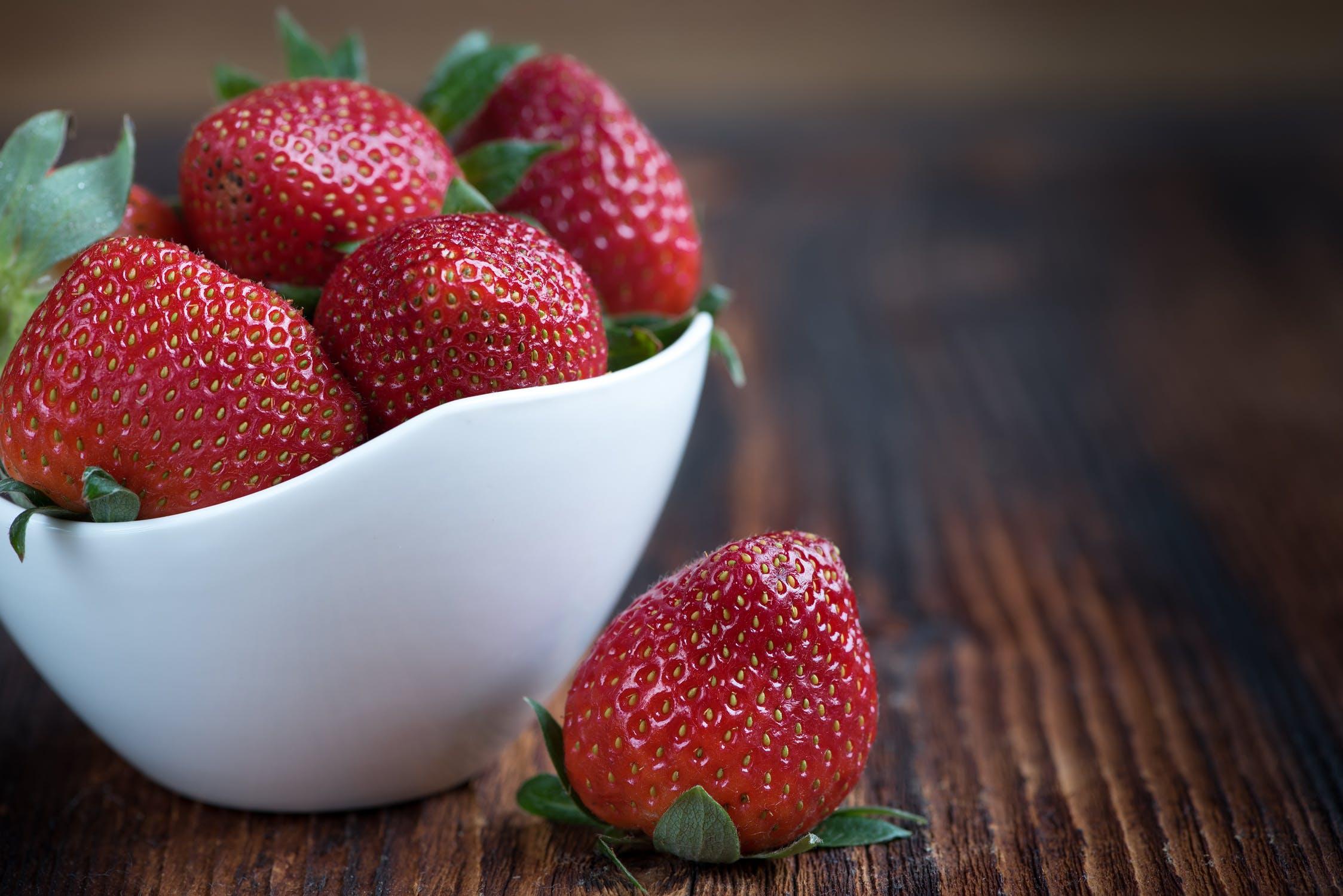 Cele mai bune alimente care favorizeaza cresterea parului