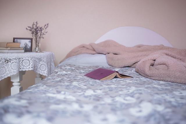 4 Sfaturi pentru a dormi mai bine intr-o camera de hotel