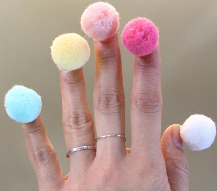 Moda accesoriilor pe unghii ne infioara