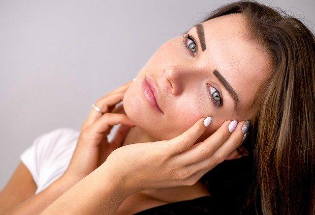Cum sa iti ingrijesti tenul fara sa folosesti produse cosmetice