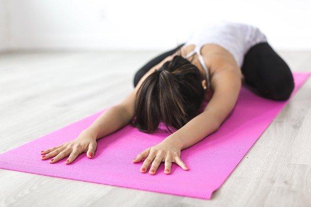 Exercitii Yoga de incalzire pentru incepatori