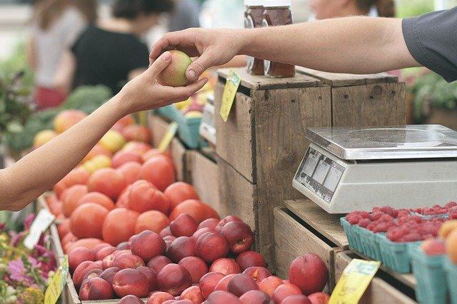 5 alimente care NU trebuie sa lipseasca din cosul de cumparaturi