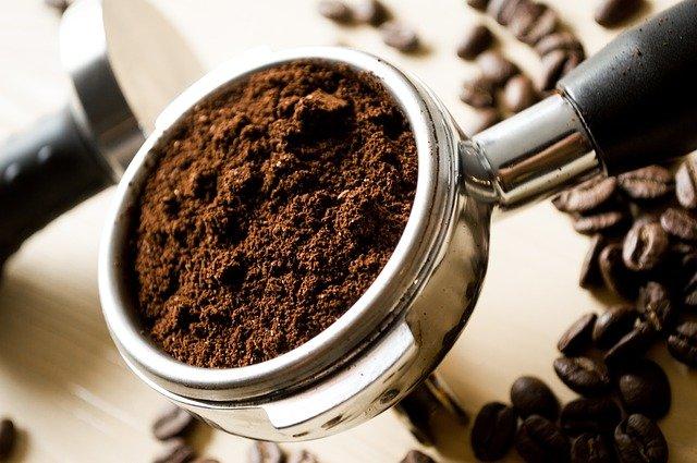 Ce poti face cu zatul de cafea? 3 utilizari mai putin cunoscute