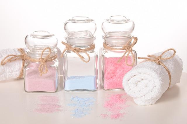 Cum sa utilizezi sarea de baie si care sunt beneficiile ei