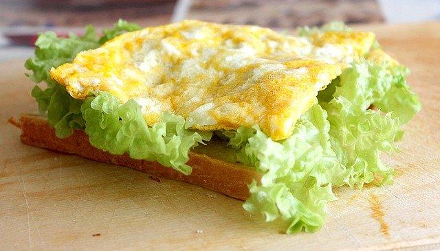 12 ingrediente cu care poti sa prepari sandvisuri sanatoase