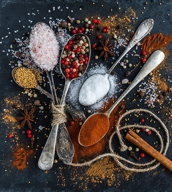 Condimente pe care trebuie sa le folosesti mai des in mancare