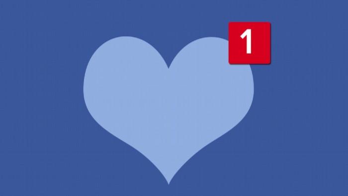 10 lucruri pe care sa nu le faci pe Facebook daca esti intr-o relatie fericita si vrei sa o pastrezi la fel