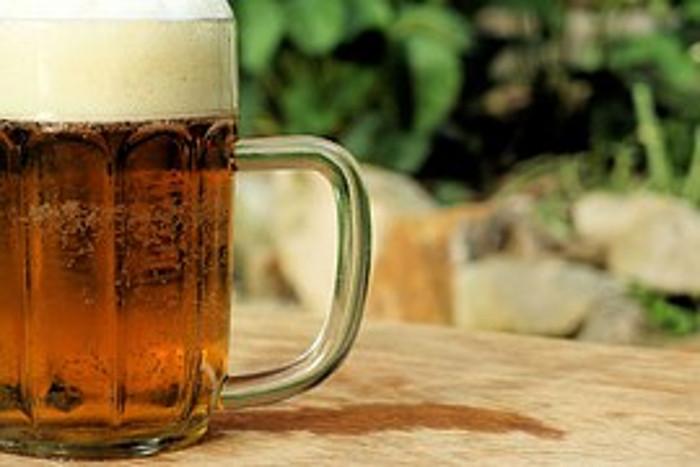 5 moduri in care poti folosi berea in ritualurile de infrumusetare
