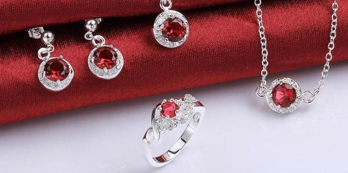 Ce spun despre tine bijuteriile pe care le porti?