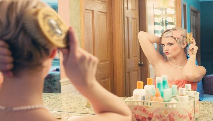 15 lucruri dezgustatoare pe care orice femeie le face dar nu recunoaste