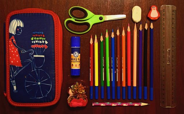 Cum iti pregatesti copilul pentru reinceperea scolii?