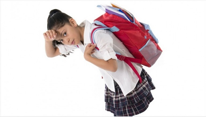 Probleme cauzate de ghiozdanul greu al elevului si cum le poti preveni