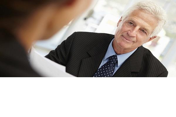 Te mai angajeaza cineva daca ai peste 50 de ani?