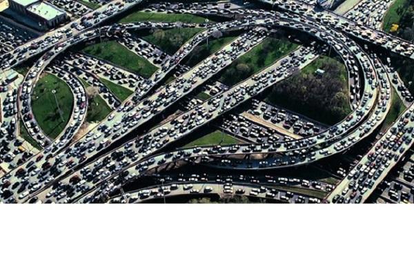 Fara nervi in trafic! Solutii pentru a elimina blocajele rutiere