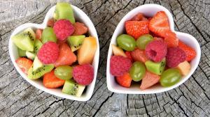 VIDEO: Reteta de salata de fructe, un deliciu estival