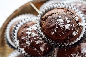 VIDEO: briose cu ciocolata. Iata cum faci cea mai gustoasa reteta!