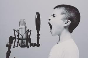 5 Lucruri false pe care le spui copiilor fara sa iti dai seama