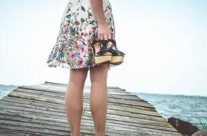 Picioare umflate? Iata ce cauze pot duce la acest simptom!