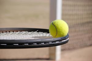 De ce este tenisul sportul potrivit pentru copilul tau