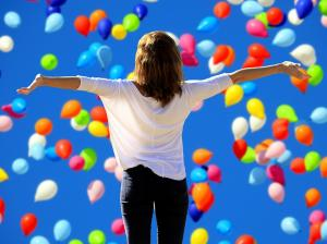 Cum sa ii faci pe ceilalti sa te placa? Iata 6 obiceiuri cu care vei avea succes!