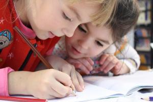 5 motive pentru care copiii ar trebui sa invete limbi straine