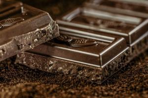 Ciocolata neagra si beneficiile sale pentru sanatate