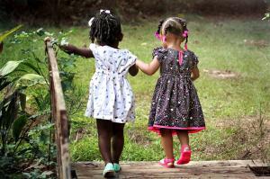 Cum poti preveni rivalitatea dintre frati