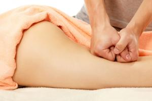 Vrei sa slabesti sanatos? Combina beneficiile masajului si ale saunei