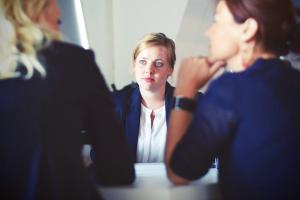 Cum poti invinge anxietatea sociala