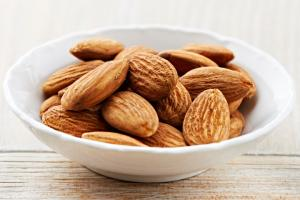 5 alimente recomandate pentru un somn linistit