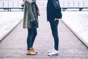 10 lucruri pe care doar persoanele timide le pot intelege
