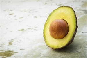 Cum te poate ajuta consumul de avocado sa scapi de kilogramele in plus