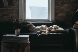 4 Moduri in care anxietatea iti afecteaza corpul