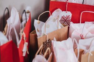 3 situatii in care cumperi lucruri inutile