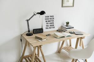 5 Schimbari pe care sa le faci atunci cand te simti lipsit de energie si motivatie la birou