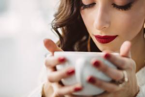Somnul de dupa cafea este mai eficient decat cafeaua in sine sau un pui de somn