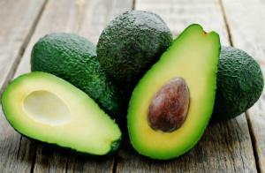 10 beneficii extraordinare ale fructului de avocado