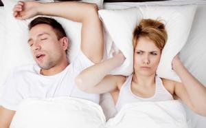 Cum poti scapa de sforait? Remedii ce te vor ajuta sa ai un somn linistit